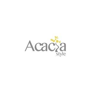 Summer fashion show at Acacia